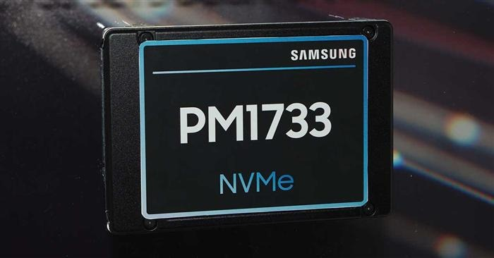 Samsung PM1733 review